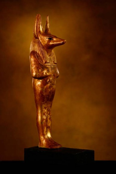 Figur des schakalsköpfigen Gottes Duamutef