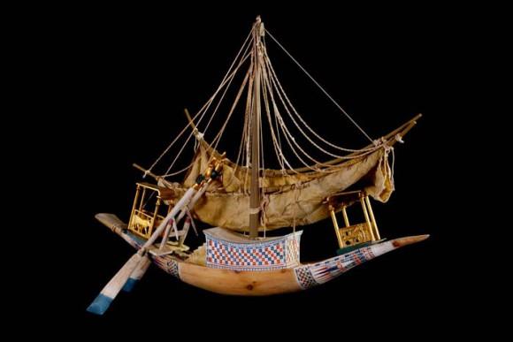 Modell eines Reiseschiffes